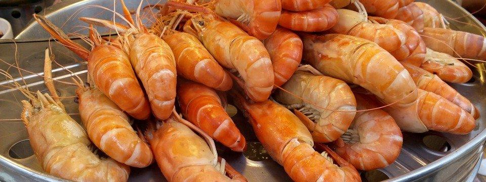 Brochette de gambas au barbecue recette barbecue - Marinade gambas grillees au barbecue ...