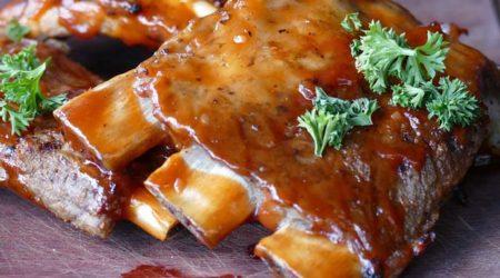 recette cote de porcs marinée au miel cuit au barbecue